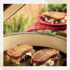 Овощной рубен-сэндвич